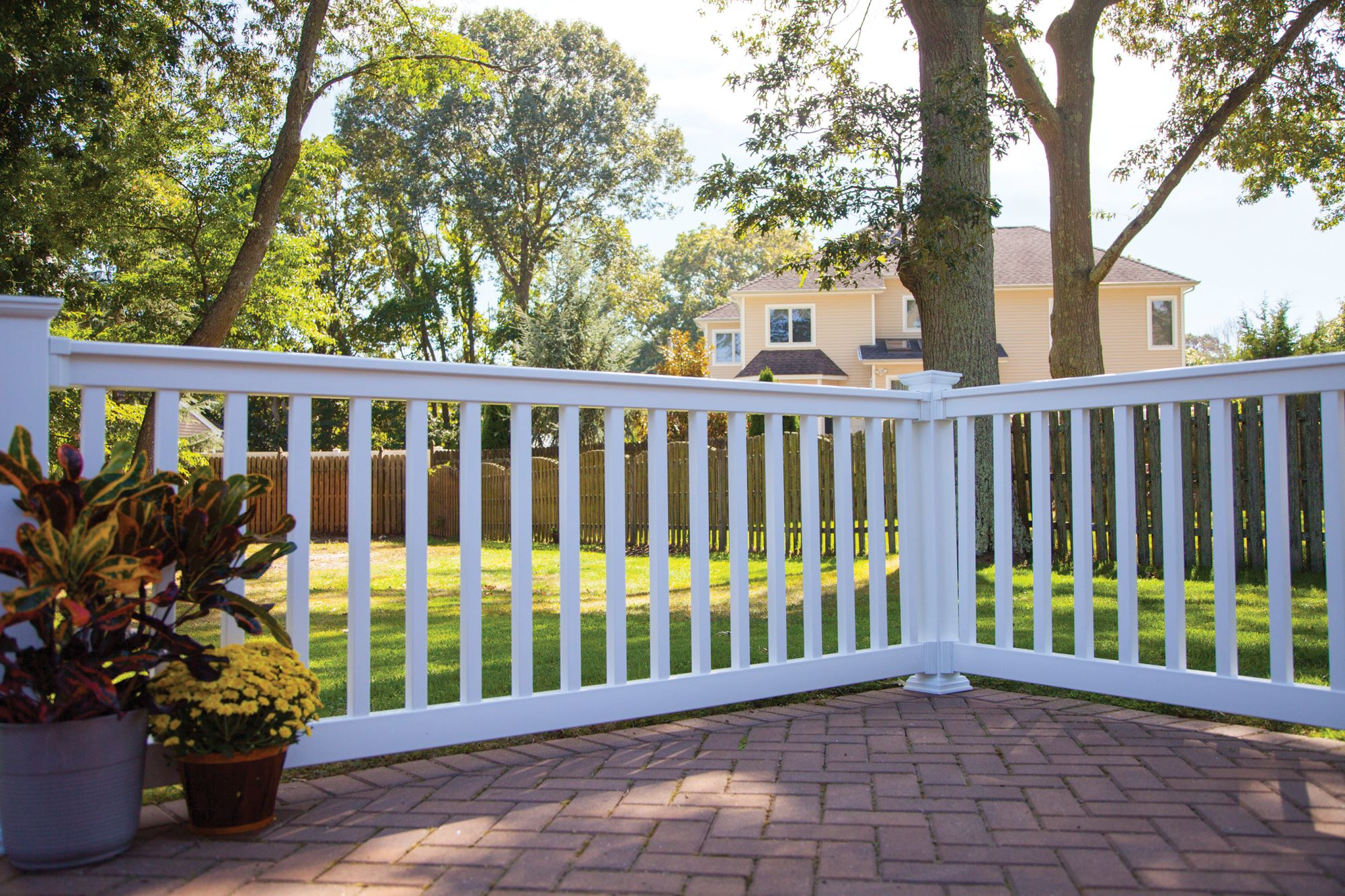 Legend Closed Picket Three Rail Vinyl Fence